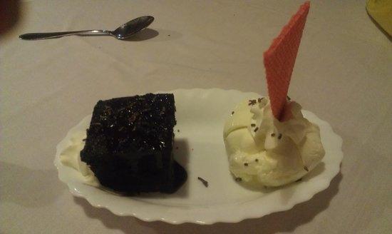 Alberto's Restaurant: Desert