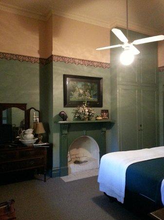 Tara House: Bedroom