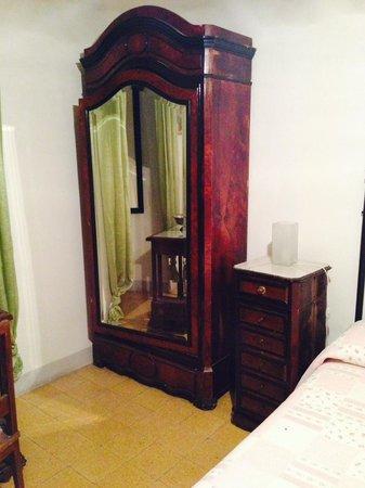 Palazzo della Marra: старинная мебель