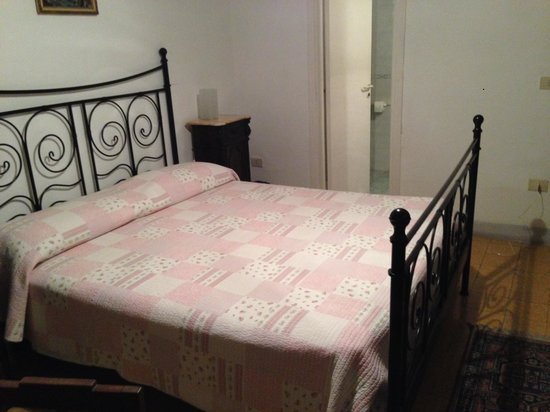 Palazzo della Marra: удобная кровать