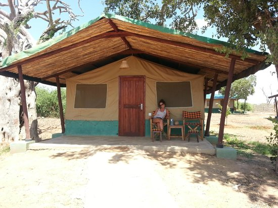 Rama's Hut - Homestay with african family: Campo tendato Sentrim a Tsavo East