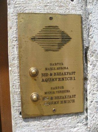 Aquavenice : Intercom at the entrance of the B&B