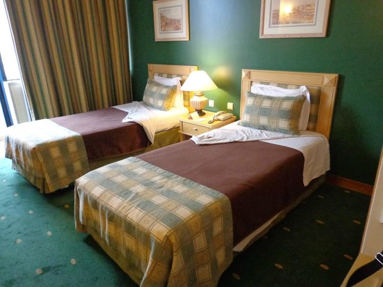 Hotel Mundial: Our beds
