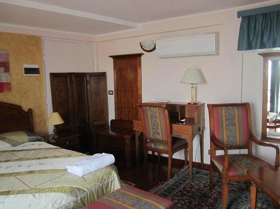 리미니 호텔 사진