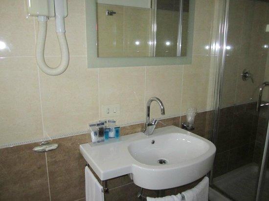 Hotel Rimini: Lavatory/bathroom