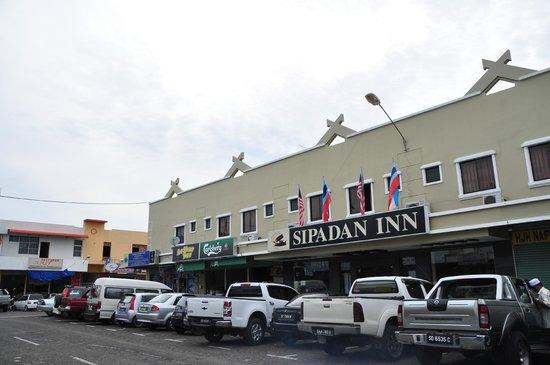 Sipadan Inn: hotel exterior