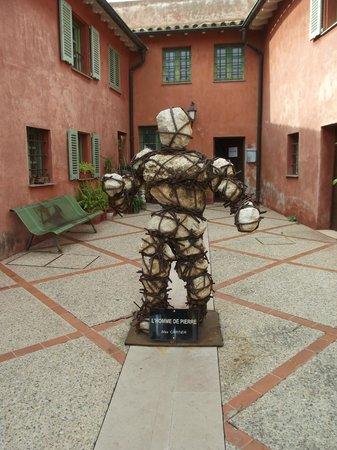 Citadel St. Elmo: Modern art sculpture in courtyard
