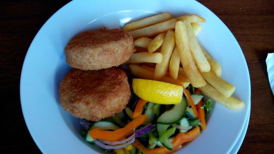The Captain's Table at the Ship Inn : Haddock fishcakes.