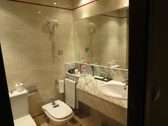 Hotel Reding Croma : Bathroom