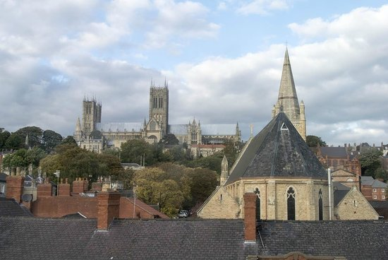 Premier Inn Lincoln City Centre Hotel: View from room, on a beautiful morning