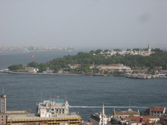 Daily Istanbul Tours: Вид на Босфор и Топ Капи с Галатской башни