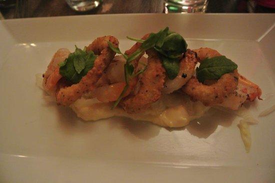 Espace 4 Saisons : Bistro: crevettes grillées et calamars frits