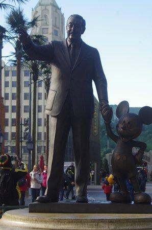 Statut Walt Disney Picture Of Disneyland Paris Marne La Vallee