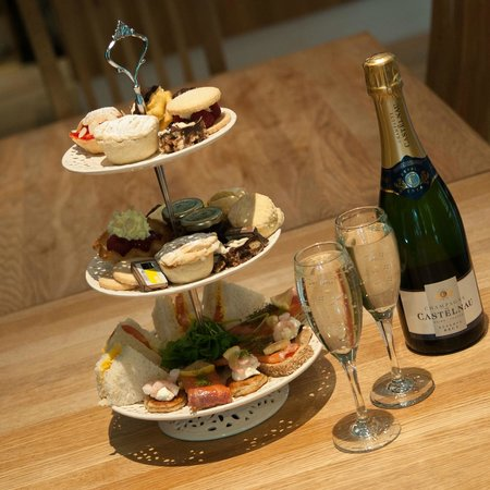 Strathpeffer Pavilion: Delicious afternoon tea - champagne is an optional extra! Photo Loudon MacRae Photography