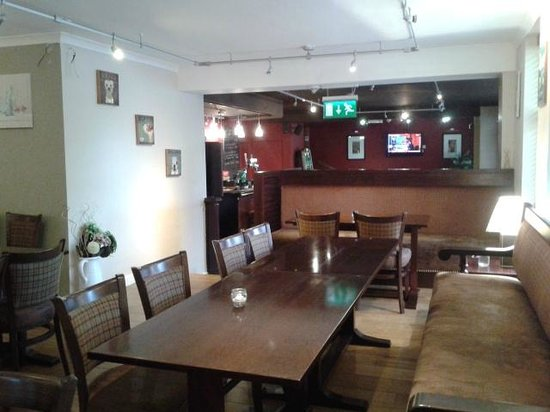 Rosslea Hall Country House Hotel: Bar which is being decorated to make it lighter