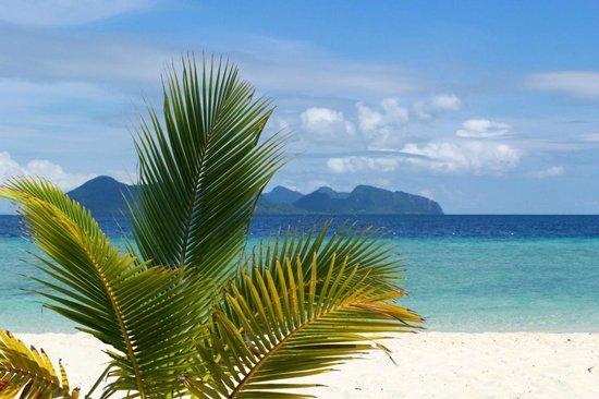 Celebes Beach Resort : Виды потрясающие