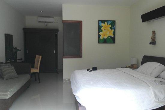 Respati Beach Hotel - Sanur : deluxe room