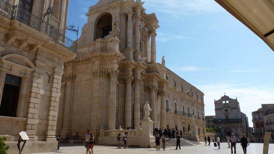 Duomo di Siracusa : Th impressive Siracusa Duomo
