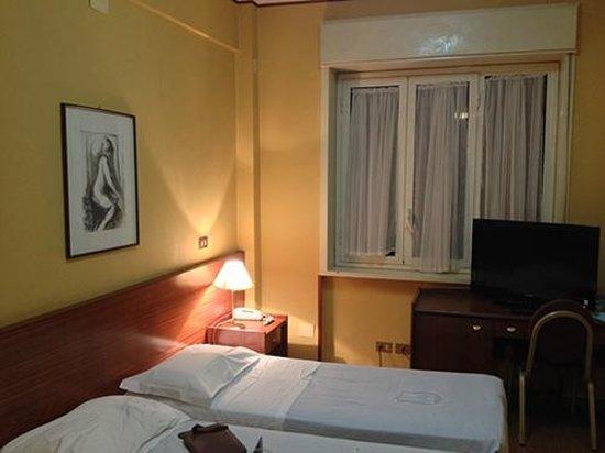 Hotel Mediterraneo : Apartamento simples