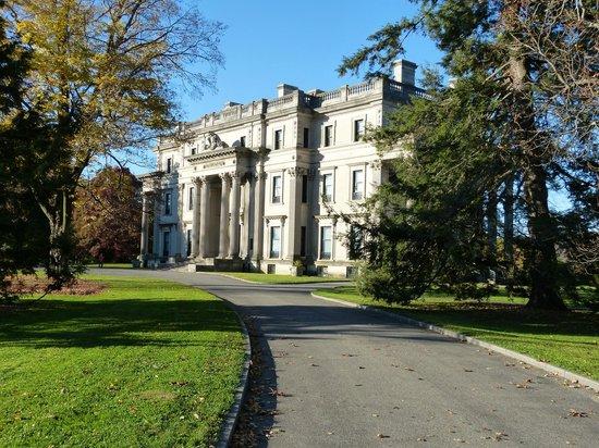 Vanderbilt Mansion National Historic Site: Front view of the mansion