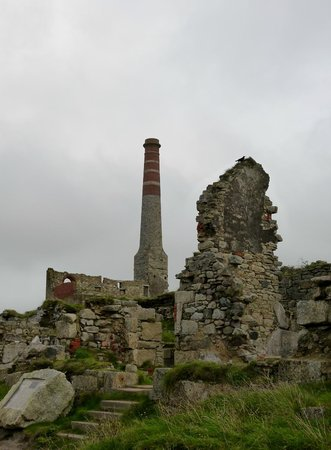 Levant Mine and Beam Engine: Above the mine