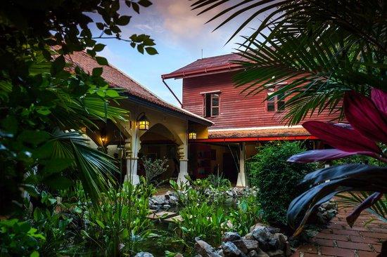 Pavillon d'Orient Boutique-Hotel: Lounge and Reception