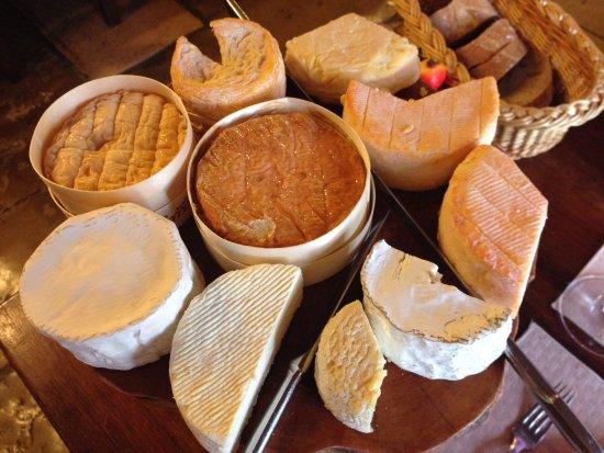 Auberge La Beursaudiere : Et voici le plateau de fromage ;-)