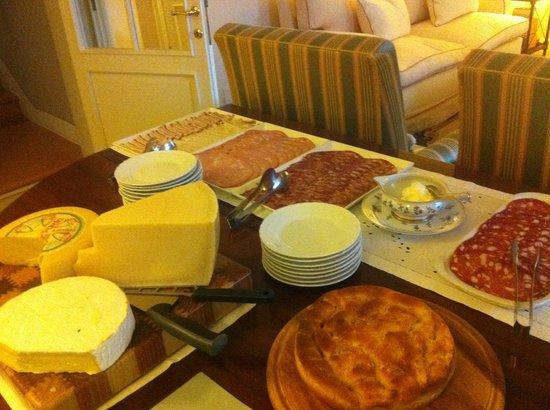 Hotel Michelangelo : завтрак....и это еще далеко не все