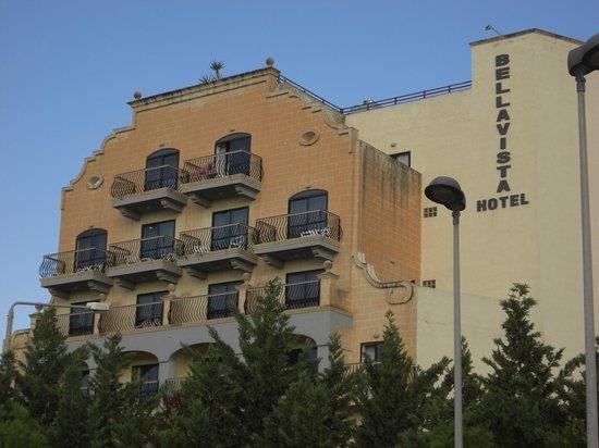 Bella Vista Hotel : view from park