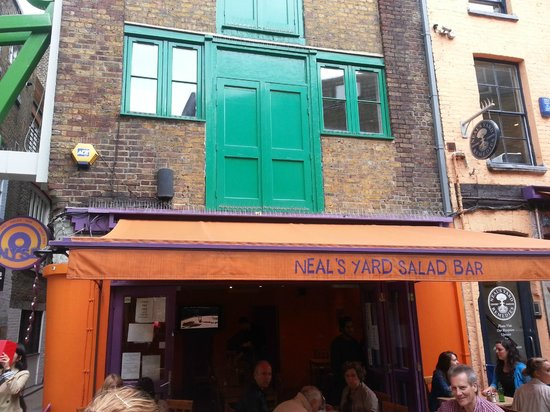 Neal's Yard Salad Bar: Go elsewhere in Neal's Yard