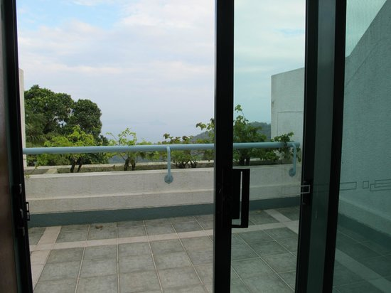 Days Hotel Tagaytay: balcony area of our room
