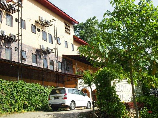 Centro Bajo Hotel & Resto : 外観