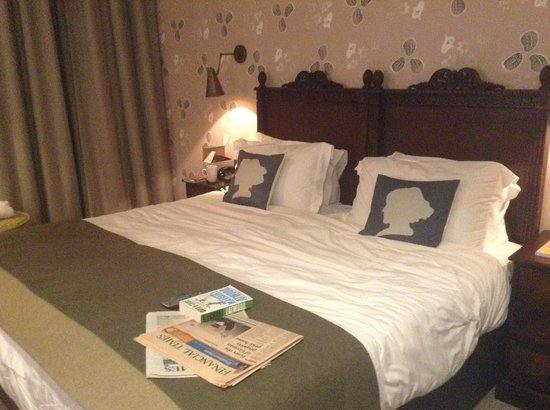Morton Hotel: Lovely bed!