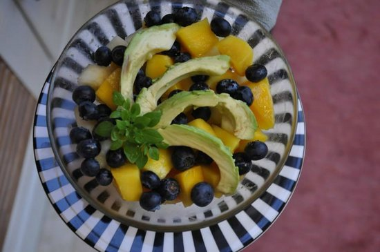 Docharn Lodge Guest House : Fresh fruit salad every day