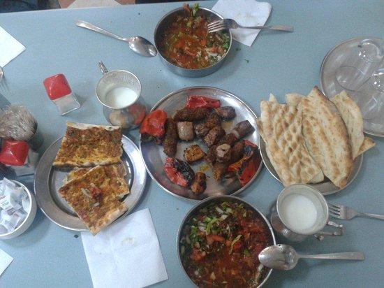 küşleme ve simit kebabı - Picture of Kebapci Halil Usta ...