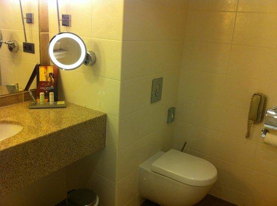 Radisson Blu Hotel, Marseille Vieux Port : Bagno pulito