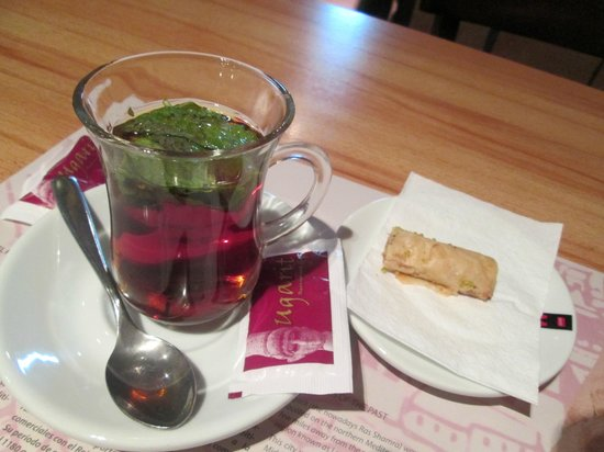 Ugarit : arabic tea with mint( north african way ??