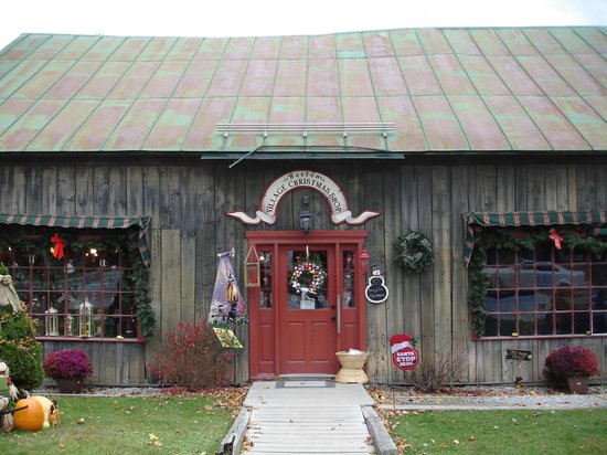 Christmas Shop opposite Vermont Country Store
