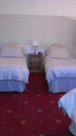 The White House Quality Bed & Breakfast: Triple Room