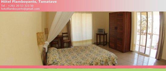 Hôtel Les Flamboyants : Hôtel Flamboyants Tamatave - Chambre double climatisée avec balcon