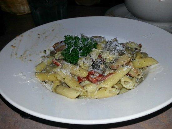 Frankie Pestos Italian eatery: Pasta Funghi Misto