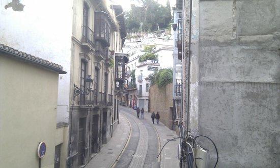 Puerta de Las Granadas: Cuesta de Gomerez back to Plaza Nueva
