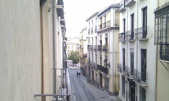 Puerta de Las Granadas: Cuesta de Gomerez towards the Alhambra
