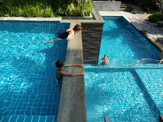 Phu Pi Maan Resort & Spa: pools at different level