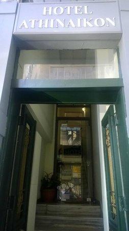 Hotel Athinaikon: Ingresso