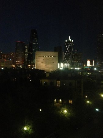 W Dallas Victory Hotel : veiw from the room