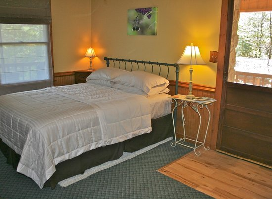 Aska Lodge B&B: Hummingbird room