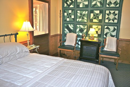 Aska Lodge B&B: Hummingbird room