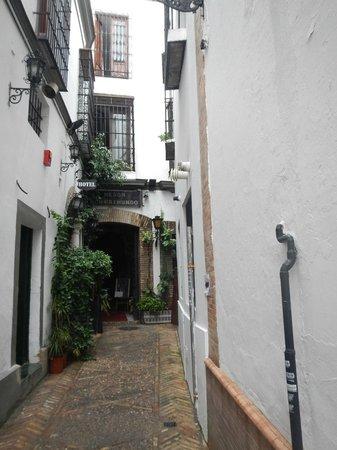 Hotel Convento La Gloria : The Side Street to Locate!