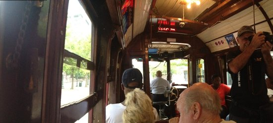 Main Street Trolley: Dentro do Trolley